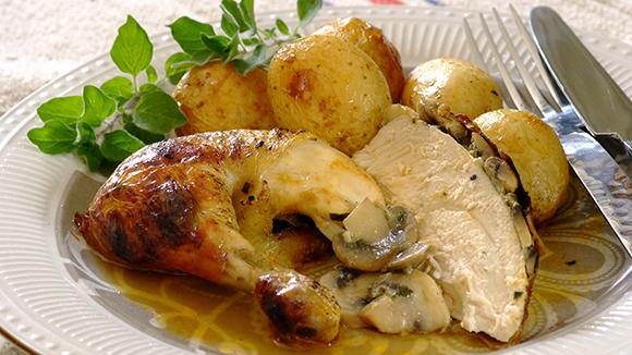 Mushroom-and-Onion-Stuffed-Roast-Chicken_30_1_1_1677_326X580.jpg