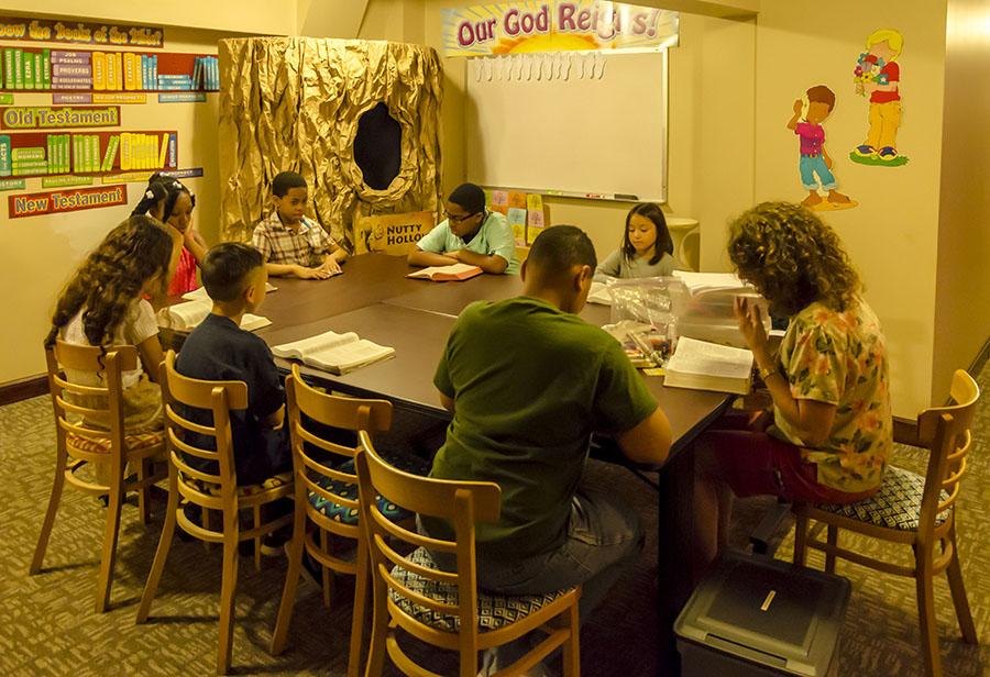 6704 Childrens Church.jpg