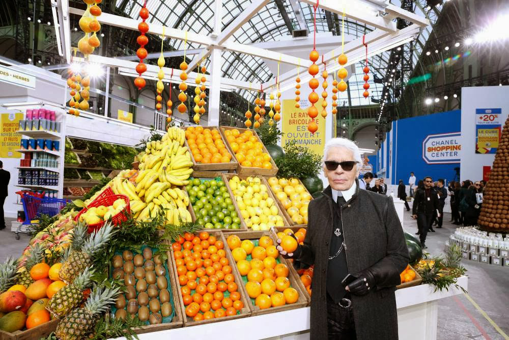 chanel-fashion-show-in-the-supermarket-1.jpg