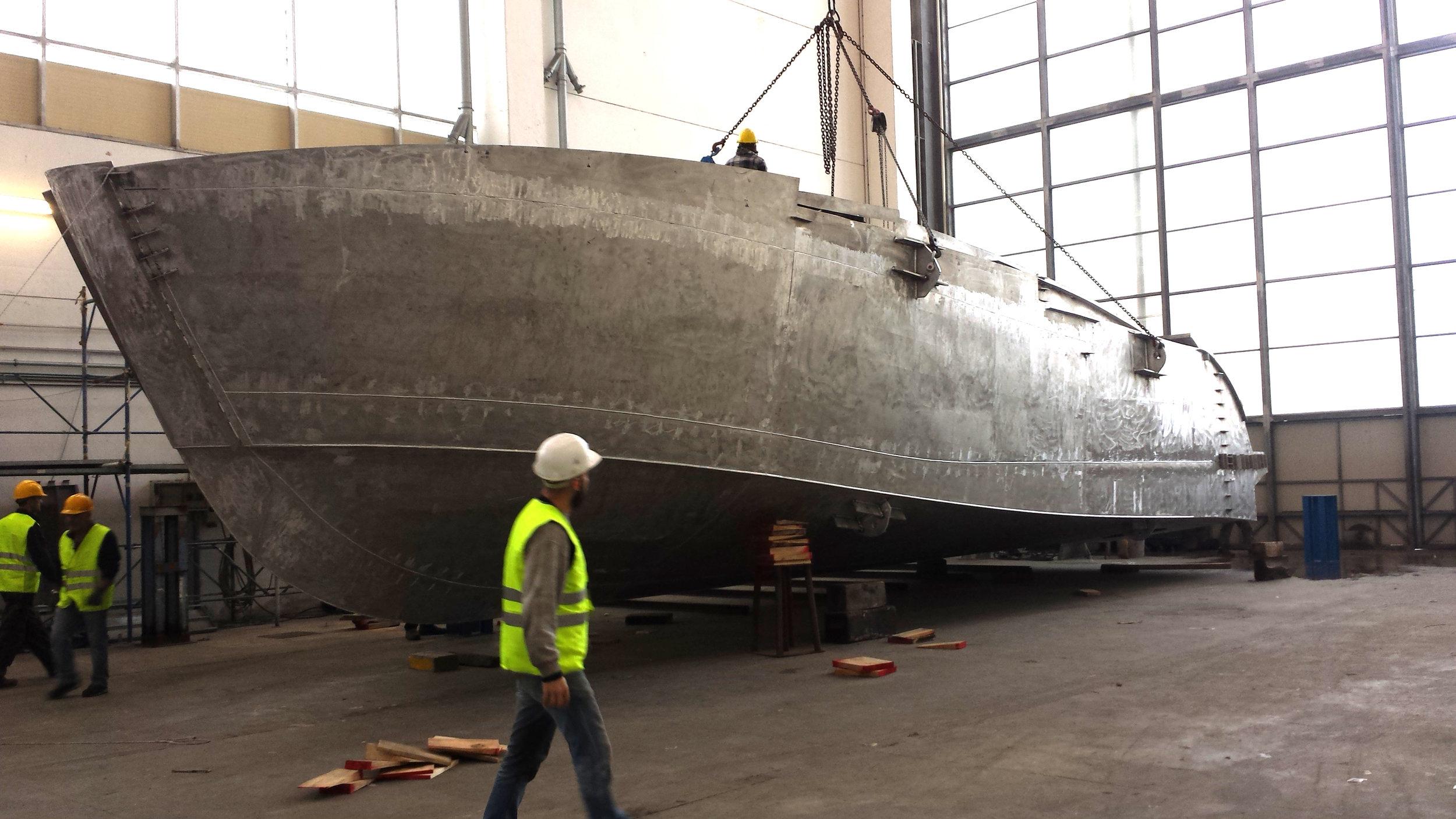 Scafo girato-Istante yacht-general arrangement-profile-sketch architect-carignani-design-concept-luxury-boat-motor.jpg