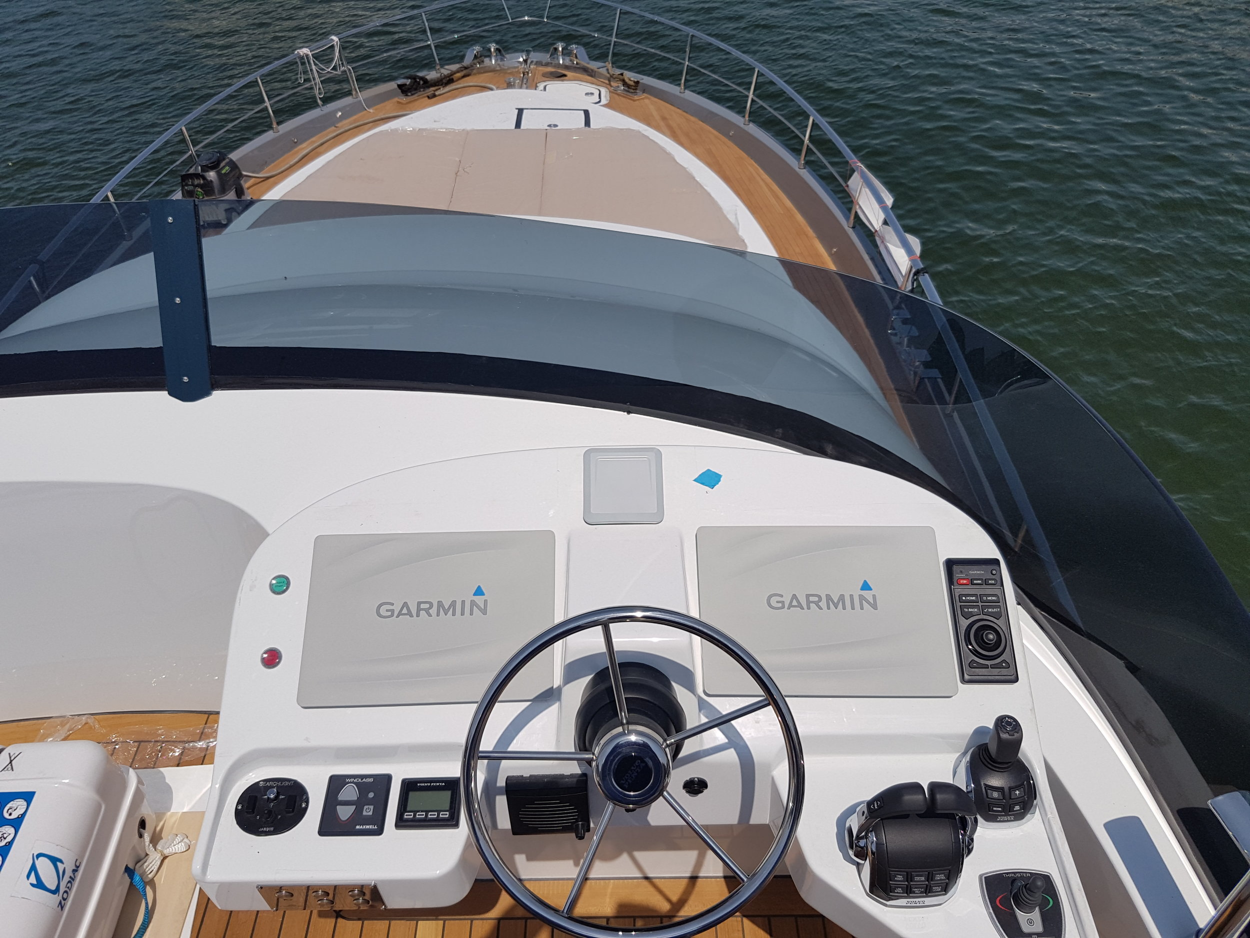 Foto Upper wheelhouse-pilot station-Istante-design- yacht-general arrangement-profile-sketch architect-carignani-design-concept-luxury-boat-motor.jpg