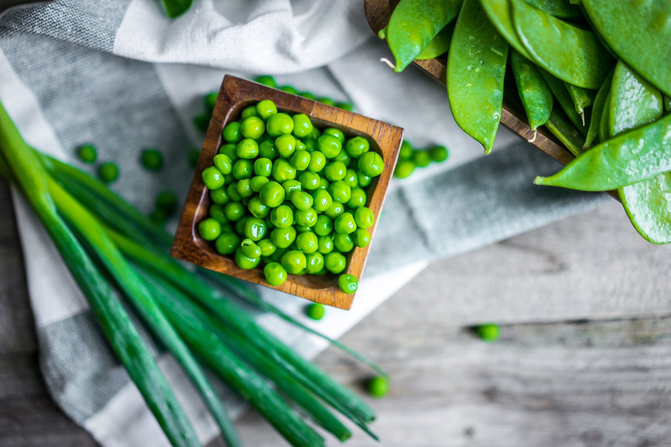 Beans & Peas - (4-10 mos.) *Dependent on varietyAdd peas or beans, known as legumes, to any family dinner for a powerful punch of nutrition. A robust source of carbohydrates, protein and fiber, they boost high levels of iron, calcium and B vitamins. Unlike other legumes, green beans are very low in allergens, making them a desirable first food. Low in calories and a great source of fiber, green beans are a welcome addition to any meal. Choose fresh or frozen varieties for a year-round staple of your child's diet.