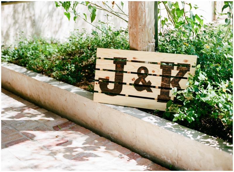 Chandelier Grove Wedding_0017.jpg