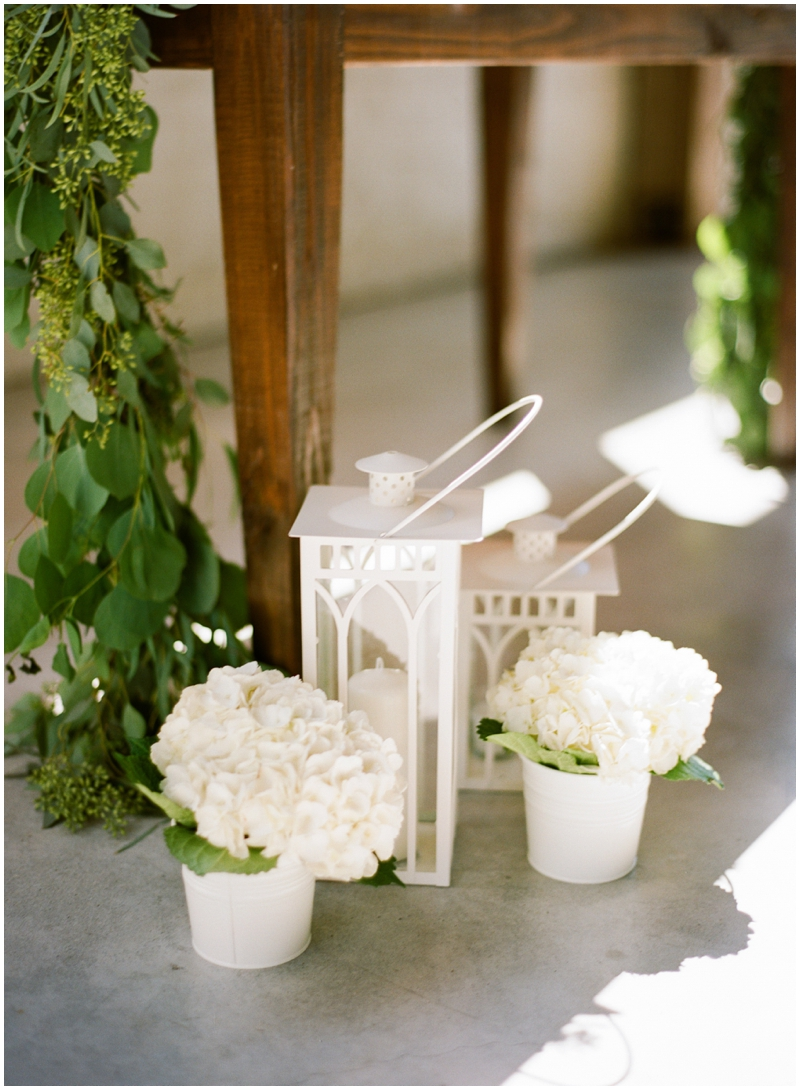 Chandelier Grove Wedding_0022.jpg