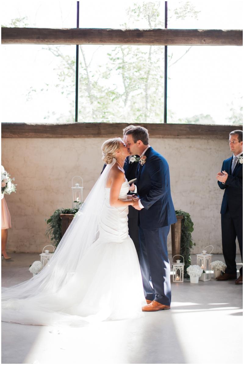 Chandelier Grove Wedding_0034.jpg