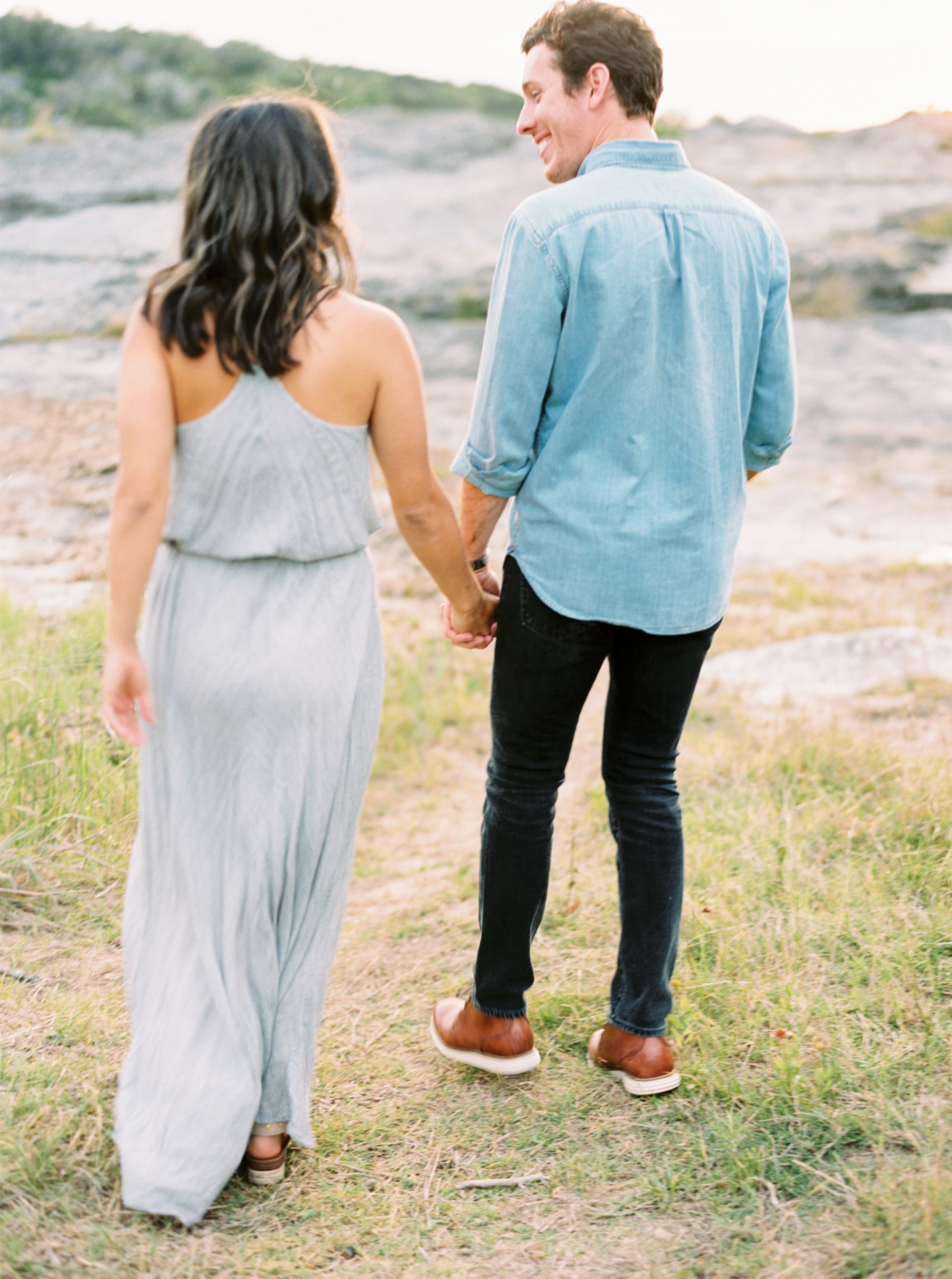 Engagement Session Outfits-19.jpg