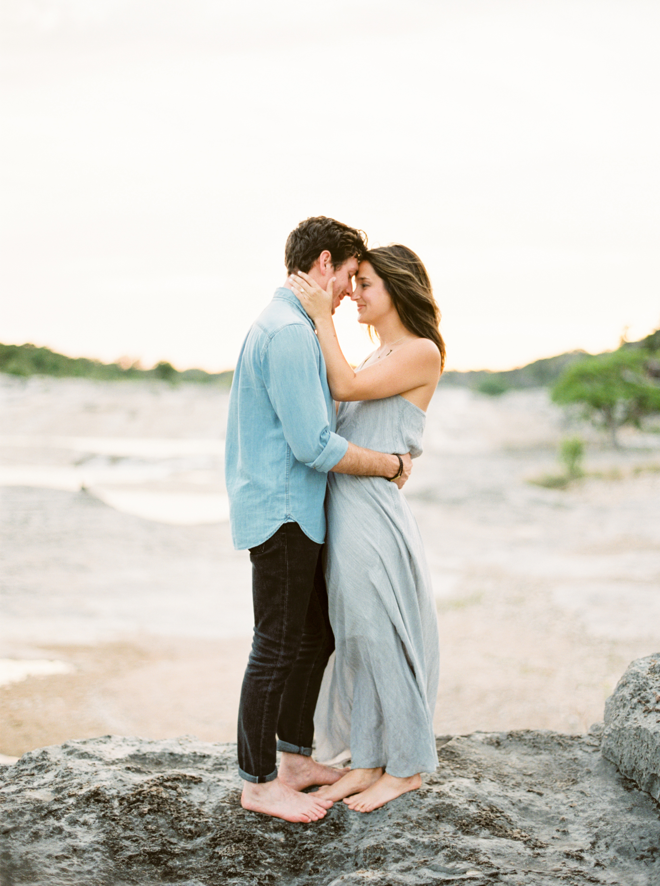 Engagement Session Outfits-21.jpg