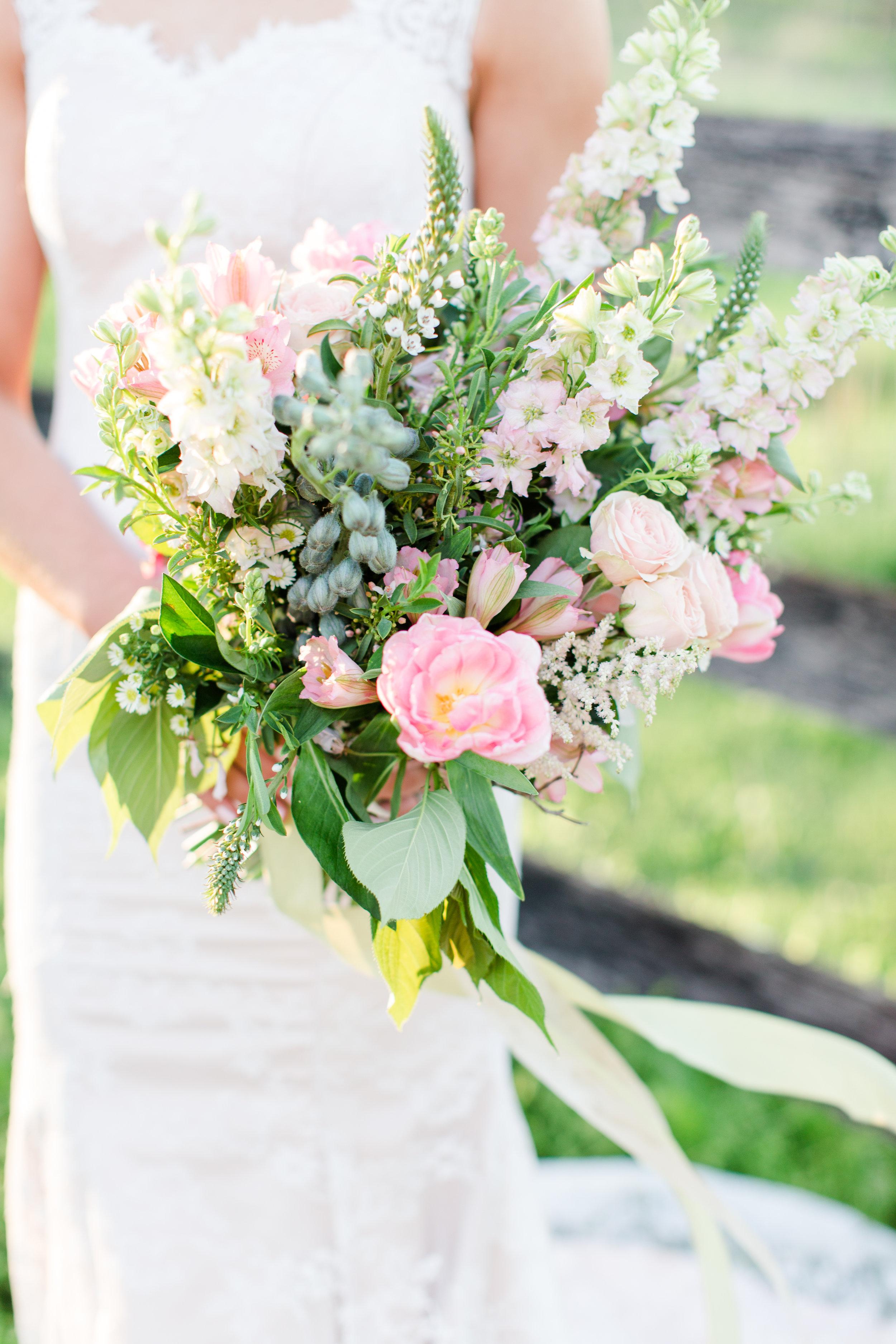 tranquility-farm-purcellville-va-blush-greenery-boho-elegance-wedding-inspiration-bethanne-arthur-photography-photos-182.jpg
