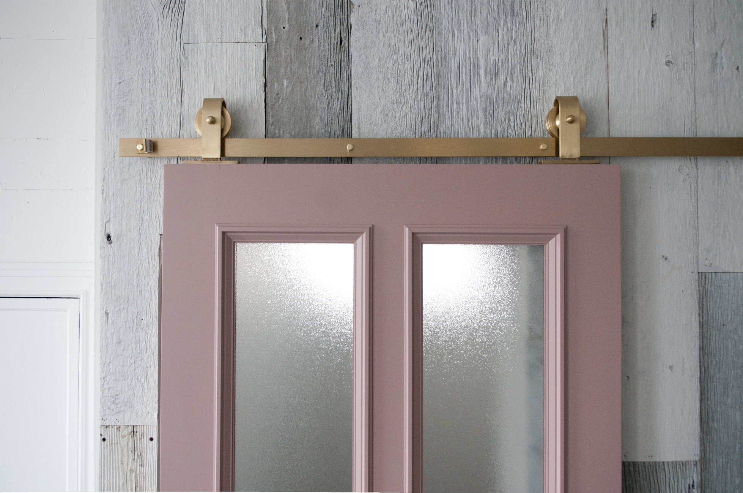 brass_barn_door_hardware_topmount_03.jpg