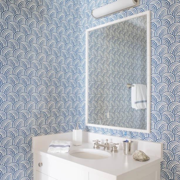Meg Braff Wallpaper - Roxy - Bathroom.jpg