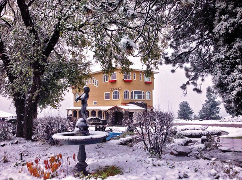 Open daily year-round —it's a winter wonderland!