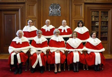 Source :  http://www.ledevoir.com/societe/justice/340456/la-cour- supreme-tranchera-entre-lola-et-eric