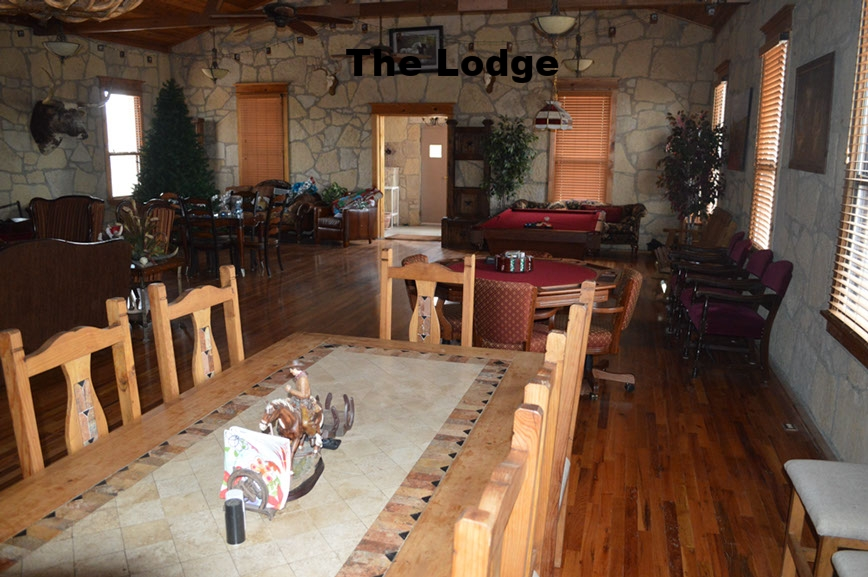thecirclebarranch_lodge_1.jpg