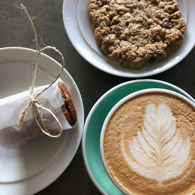 Happy mid-week everyone!  Shout out to our friends at the @thepollyfox for making the BEST gluten-free and vegan treats.  Seriously guys, come by and try them out!