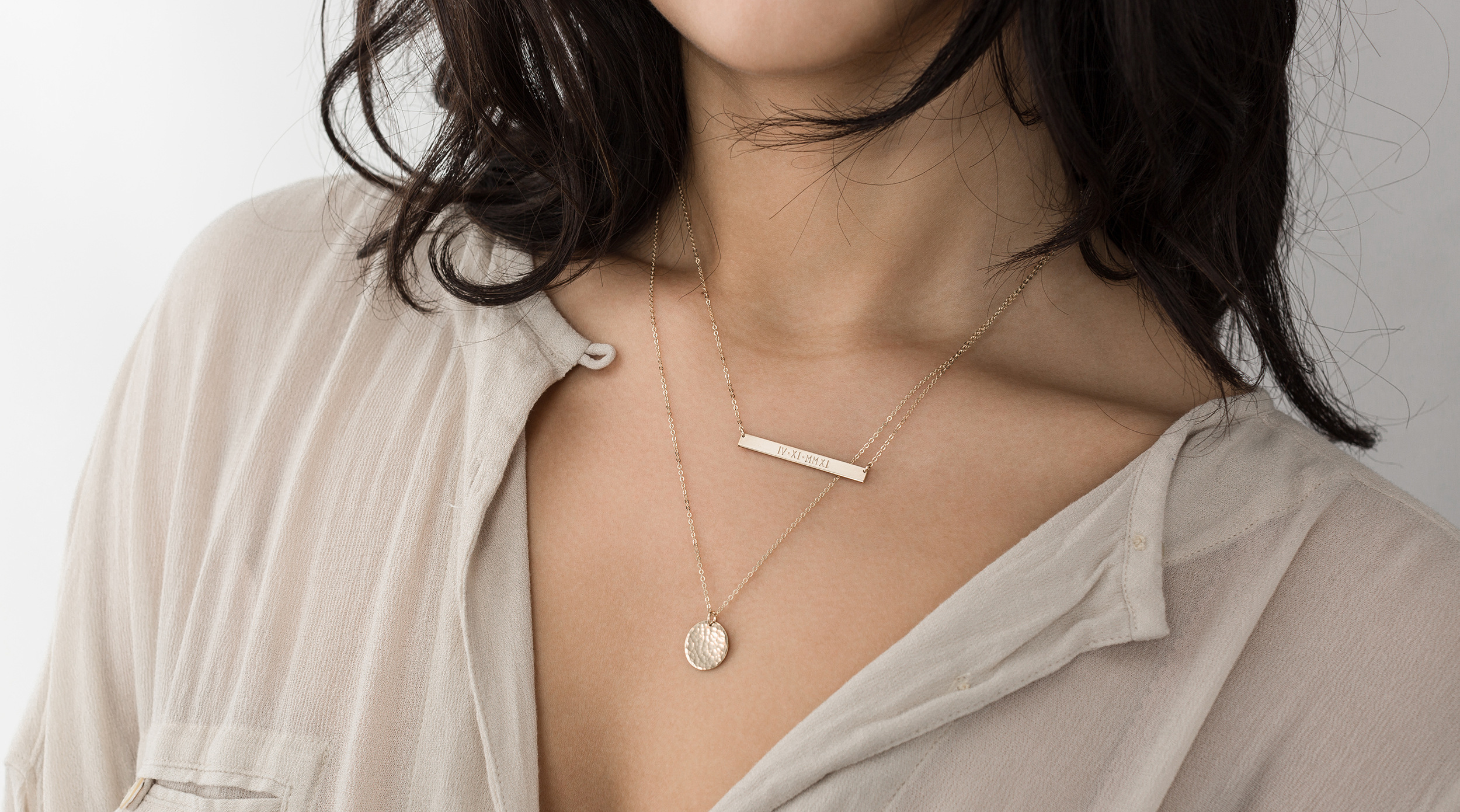Set of 2 Layering Necklaces  with Perfect Bar Necklace and Medium Hammered Disk.