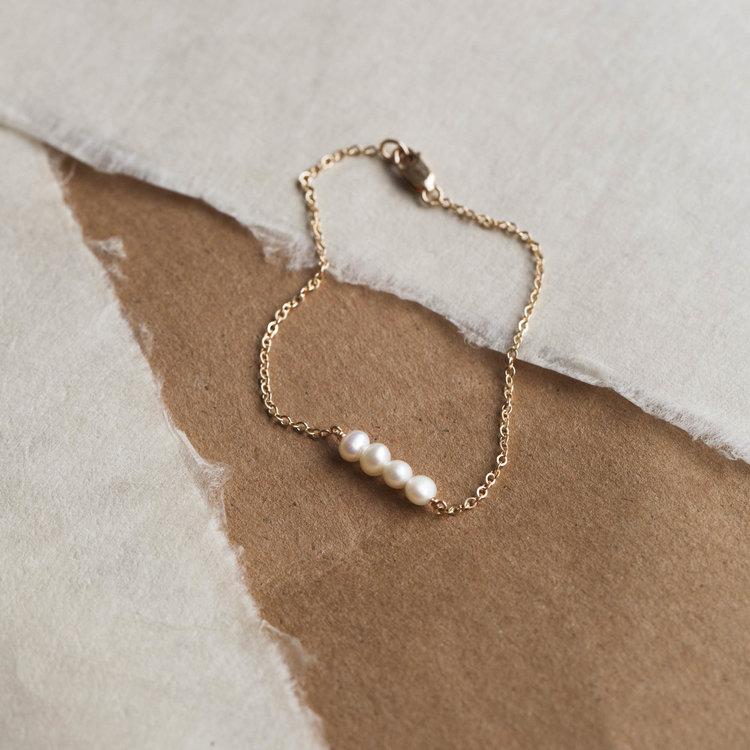Ohana Customizable Pearl Bracelet by Gldn