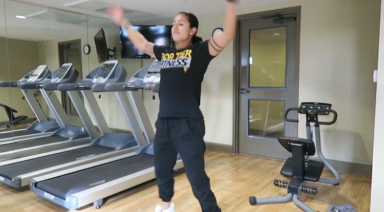 personal trainer jumping jacks