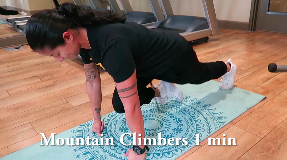 Personal Trainer Mountain climbers
