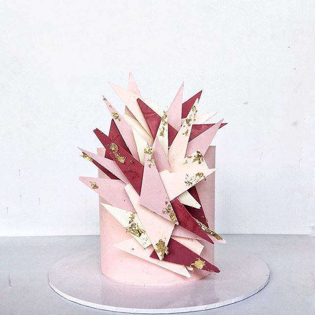 Loving the response to these shard cakes.. now someone order one in different colours please #cake