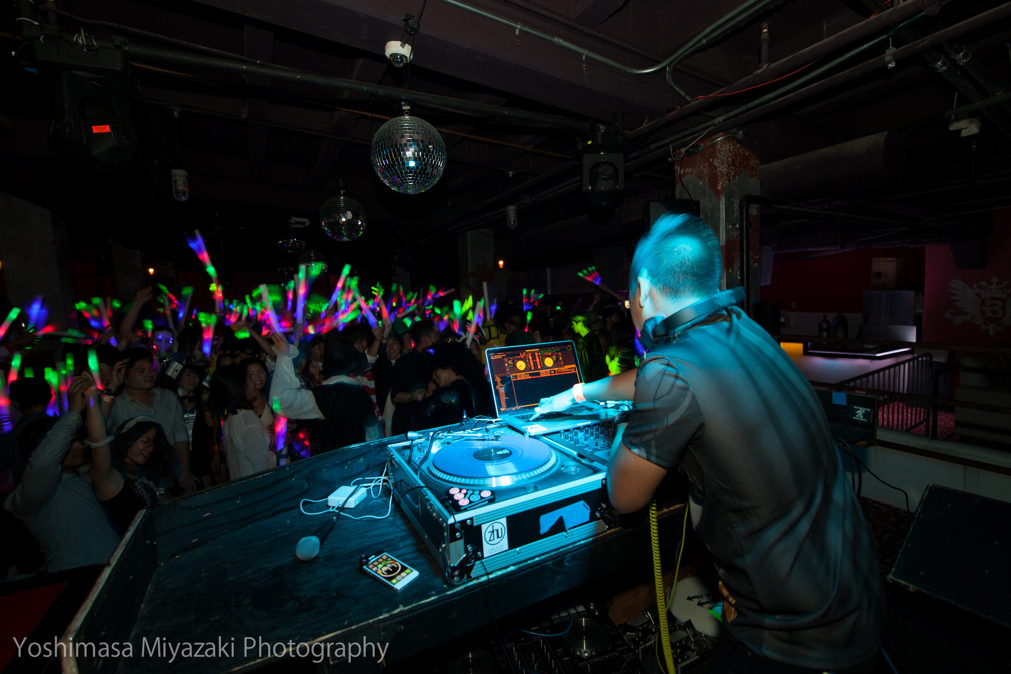 DJ MOJOE Performing at Belasco Theater Club in DTLA