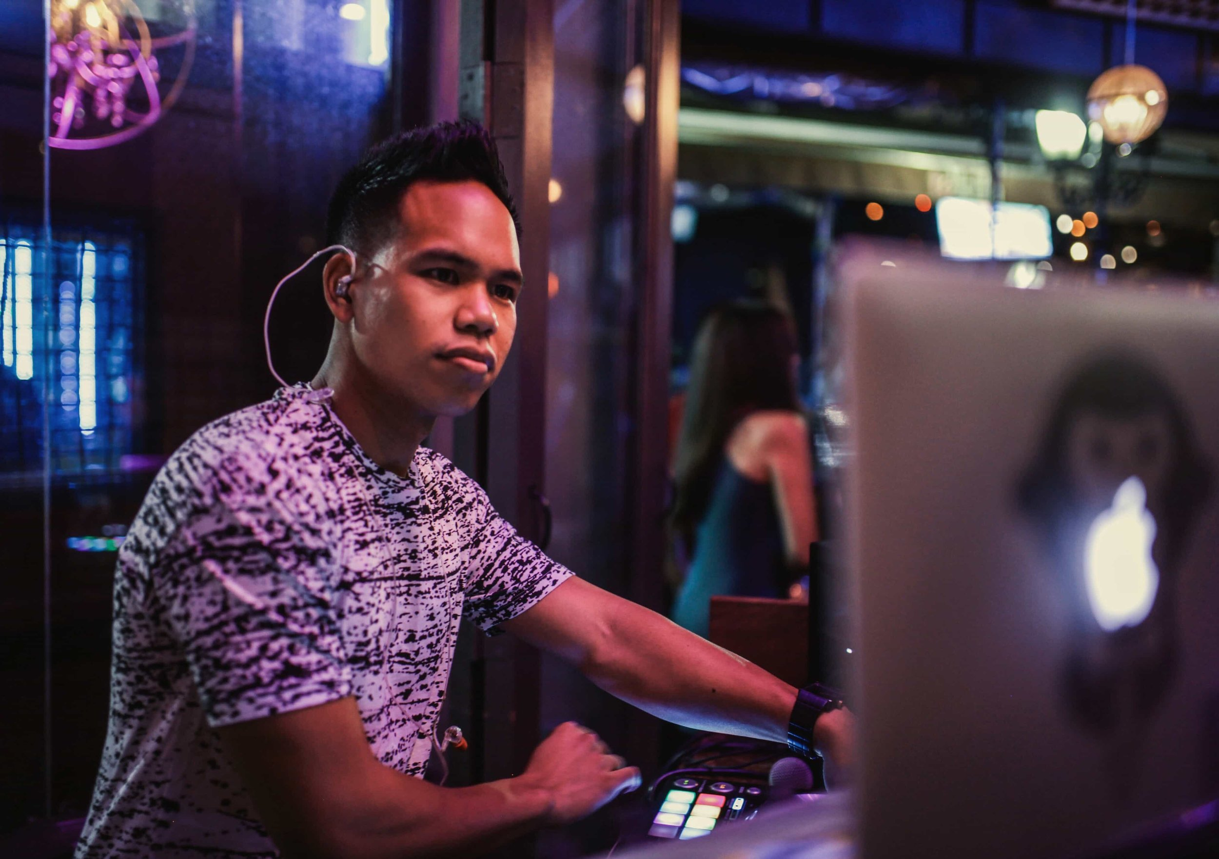 2016-09-06 Royal Bar DJ MOJOE.jpg