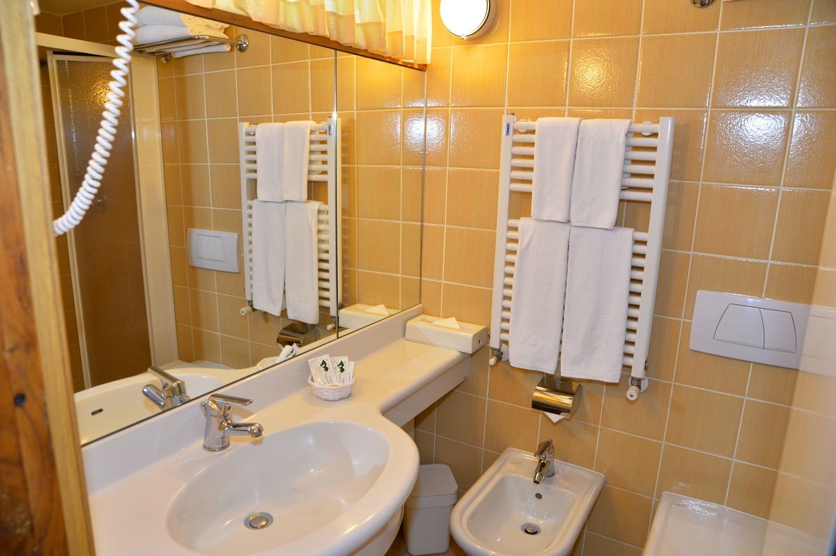 hotel-lido-limone-garadasee-081.jpg