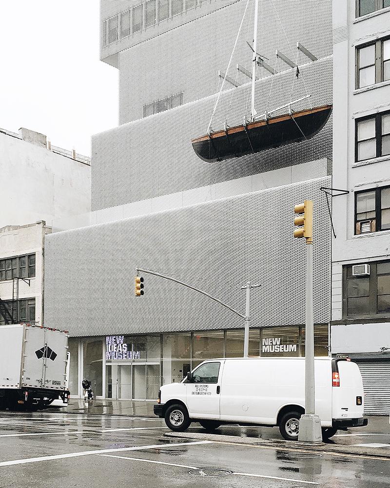 Bảo tàng yêu thích phải đến khi bạn ở New York, với lối kiến trúc hiện đại, bên trong trưng bày khá nhiều tác phẩm đương đại xuất sắc.