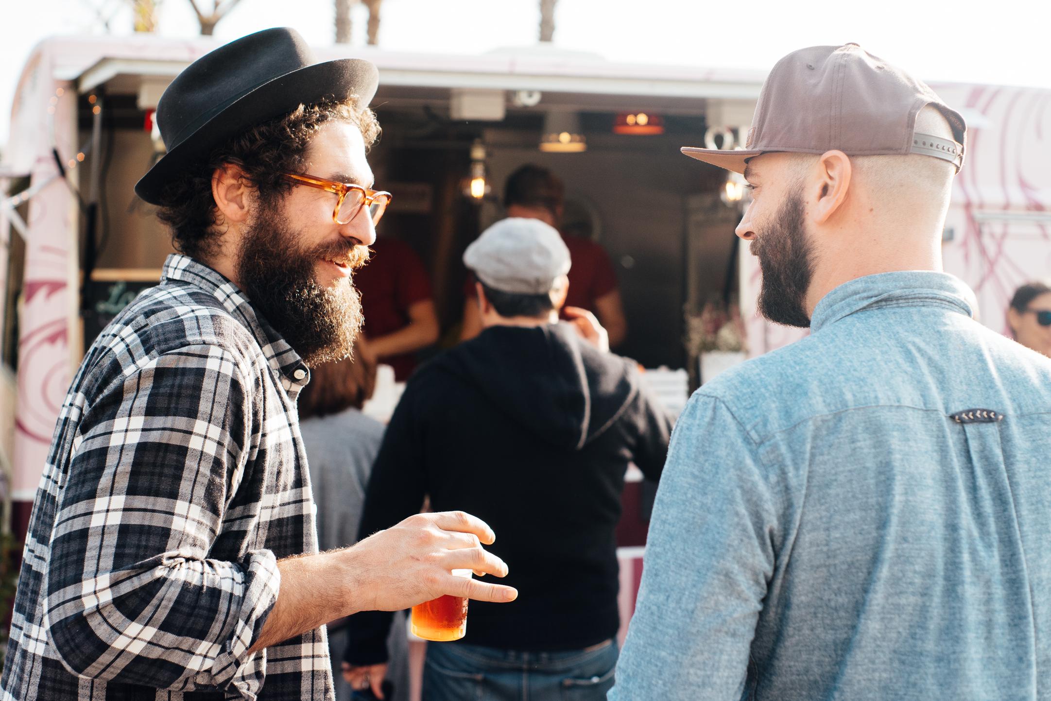 Cibo e bevande - L'offerta di cibo e bevande, attenta a tutti i gusti, è il risultato della sinergia tra una selezione di food truck, attività di ristorazione locale ed aziende del settore, che fanno della qualità il loro ingrediente principale.