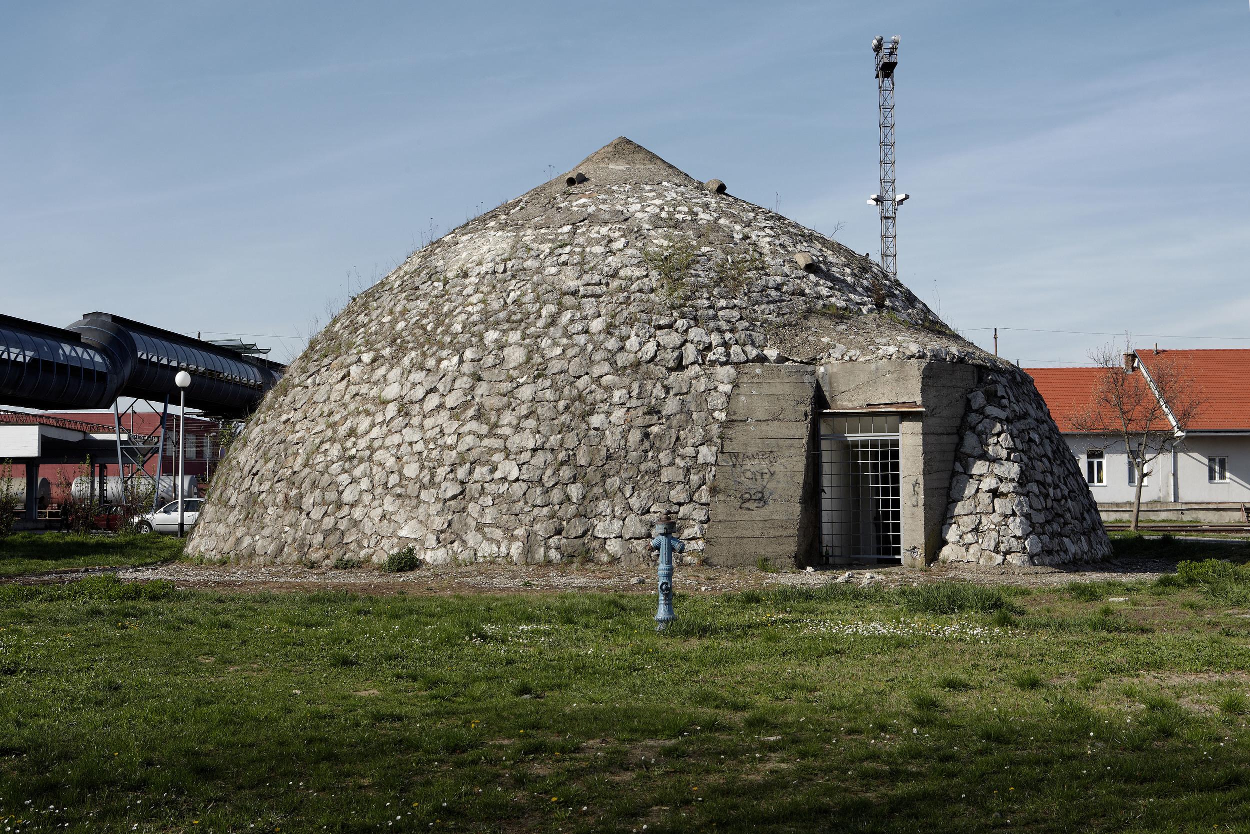 Croatia_Sl.Brod_Bunker2.jpg