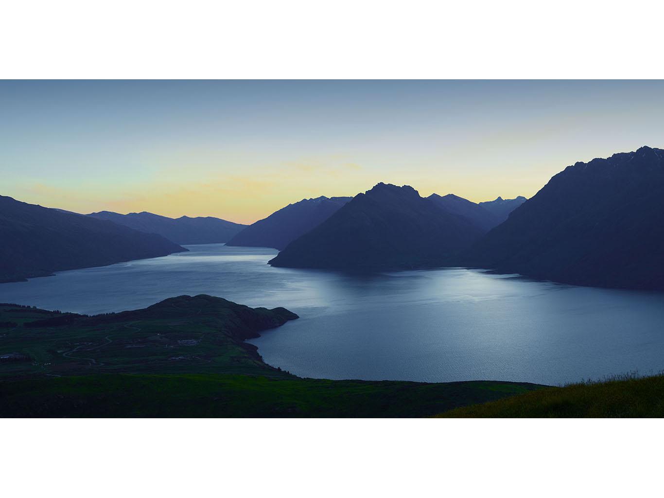 LakeWakatipu_Panorama_01.jpg