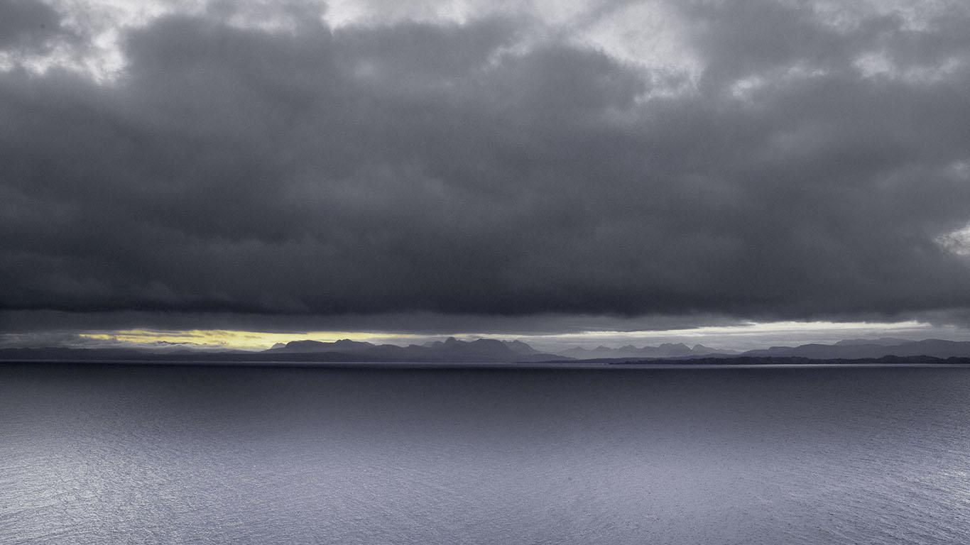 Scotland_IsleOfSkye_fromKiltRock_2012.jpg
