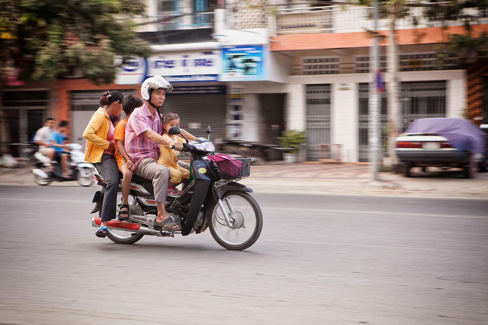 Motopeds_Cambodia-66.jpg