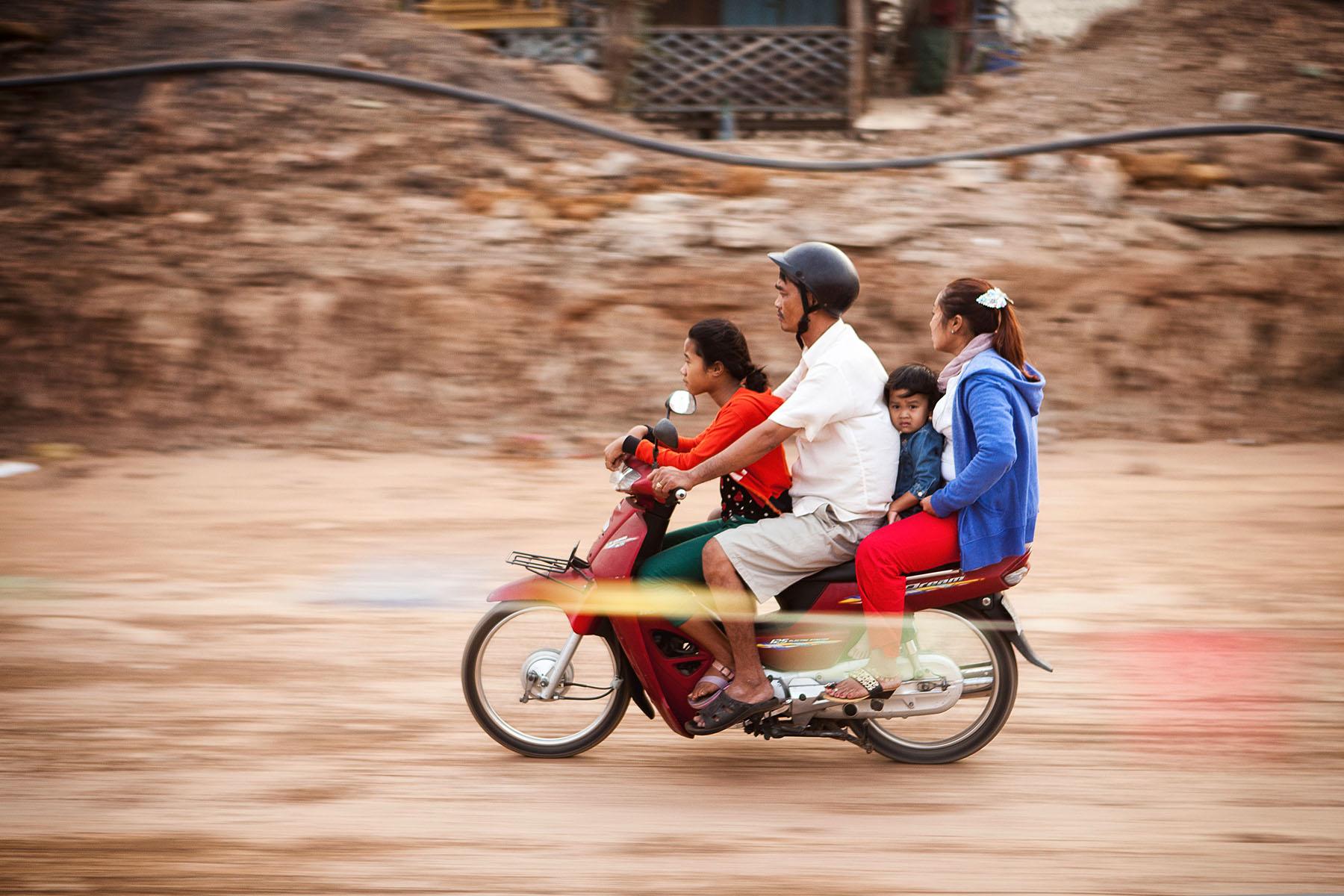 Motopeds_Cambodia-58.jpg