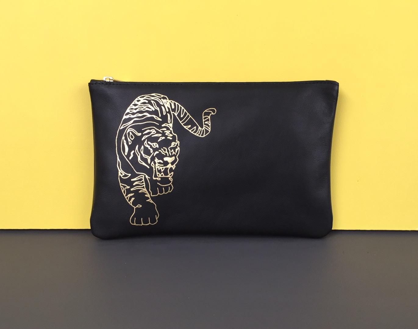 LT002-BK - etui tiger black