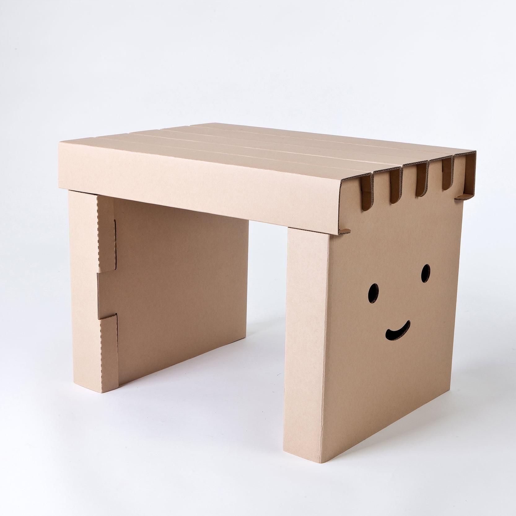 Miley Desk Plain.jpg