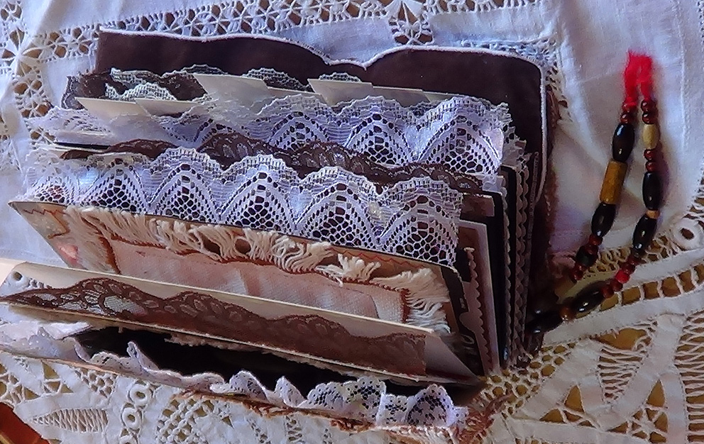 Chocolate_Book_Journal02.jpg