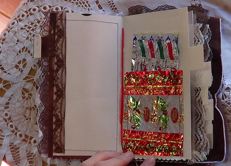 Chocolate_Book_Journal09.jpg