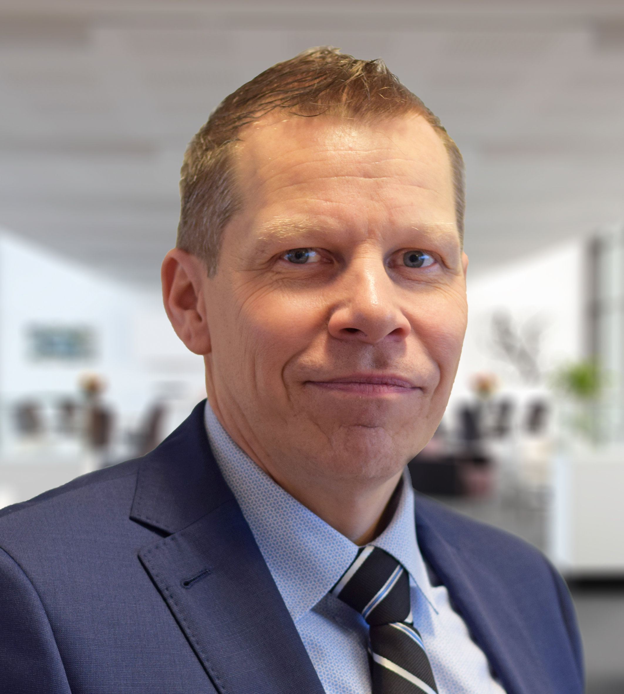 Magnus Holgesson  Key Account Manager •Korea
