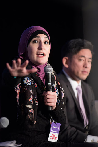 Moving into Action on the NIIC mainstage; (from L to R) Linda Sarsour (Women's March) and Steve Choi (NYIC).