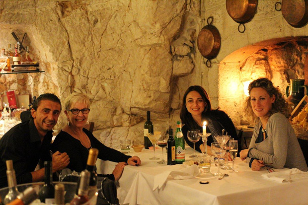Cena_in_una_grotta.jpg
