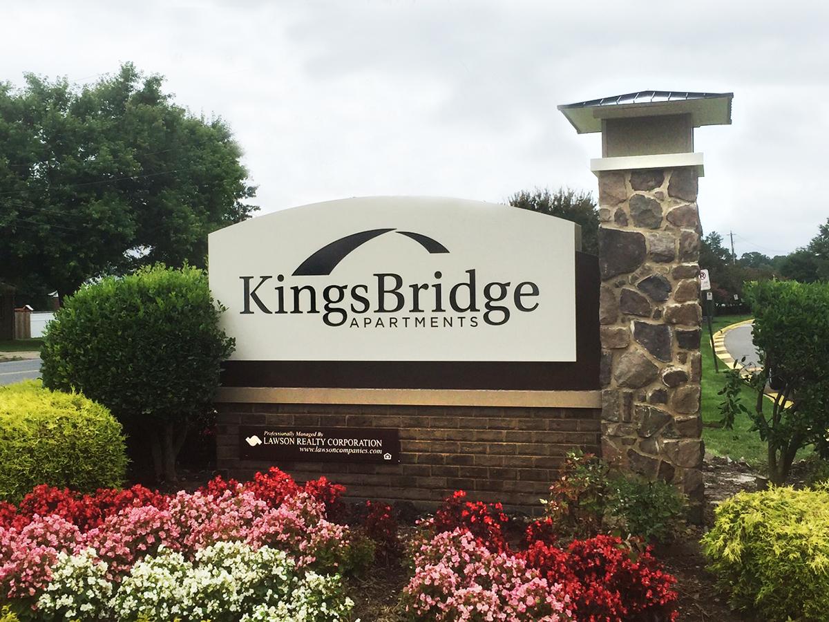 Kingsbridge Monument.jpg
