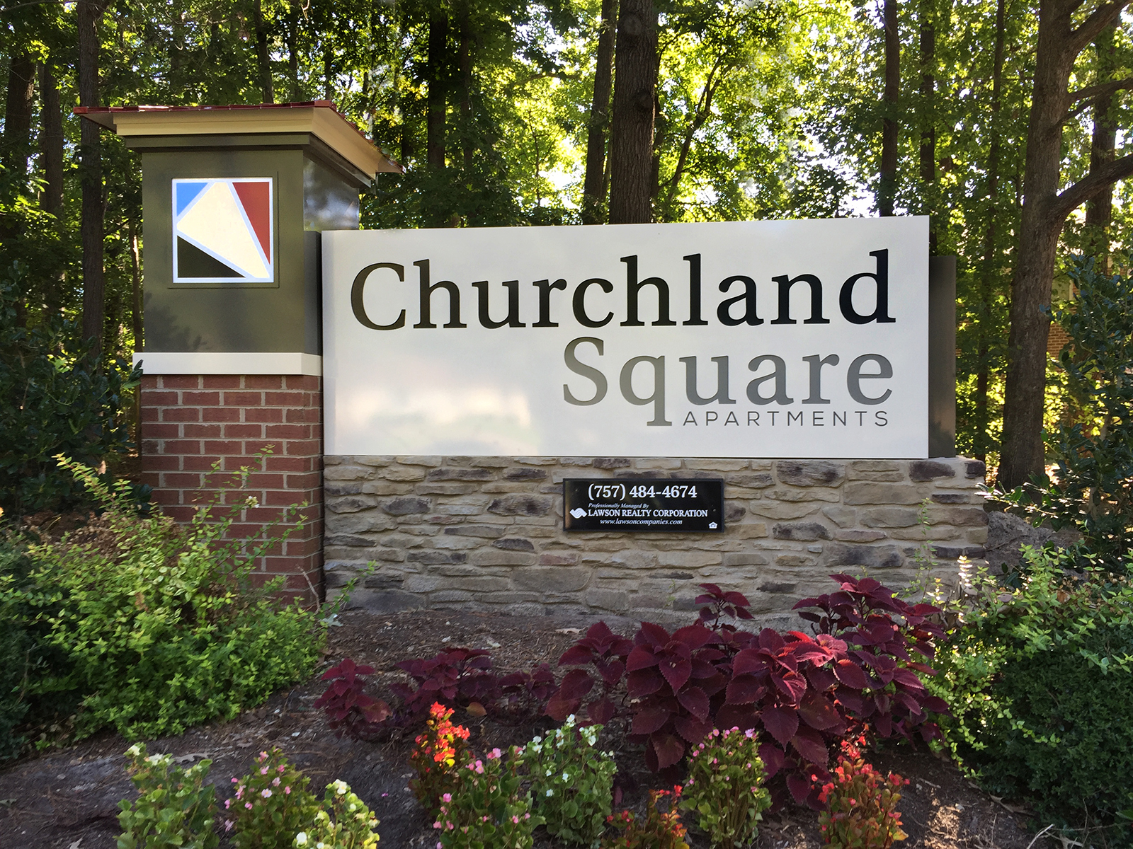 Churchland Square Monument.jpg