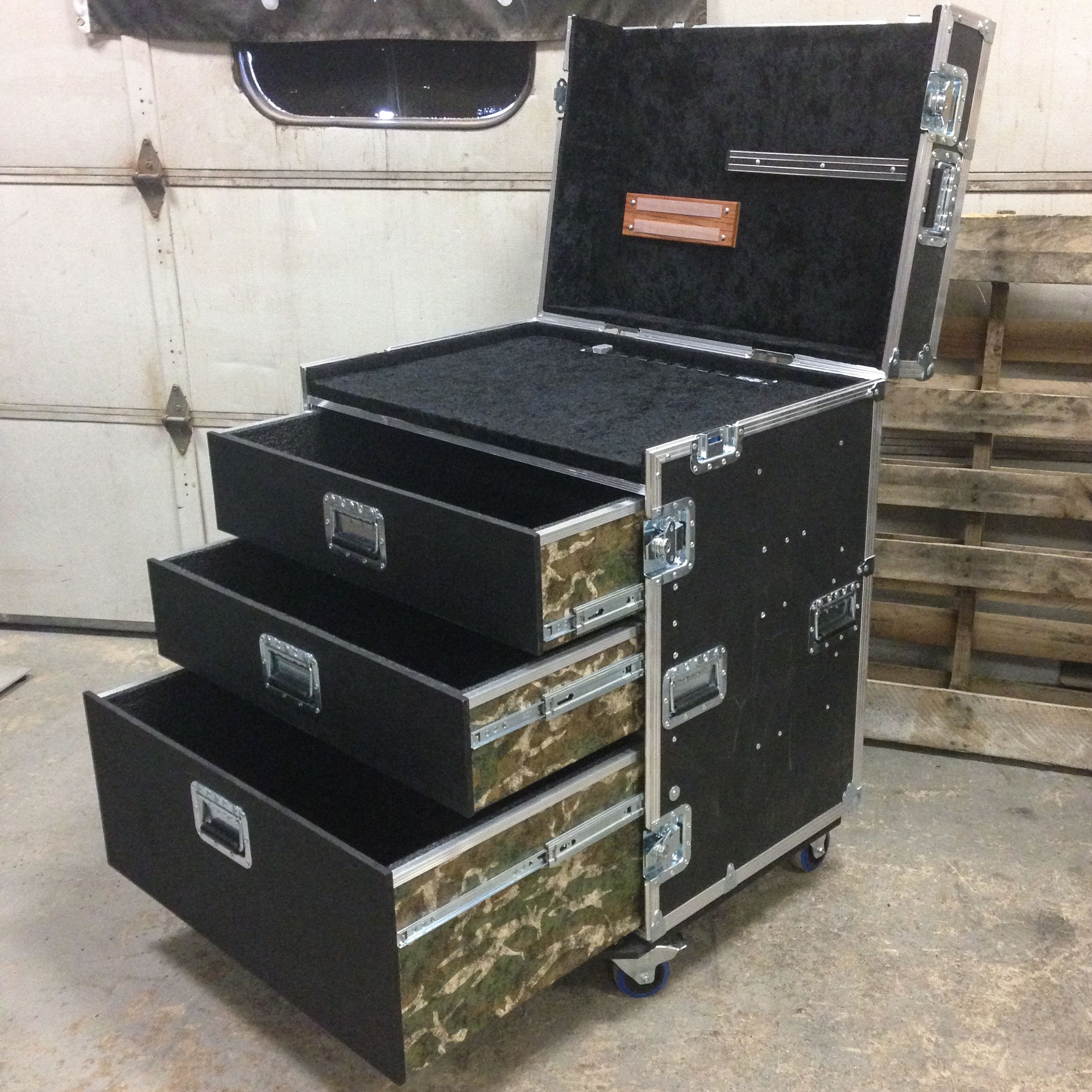 Camo-Guitar-Tech-Road-Case.jpg