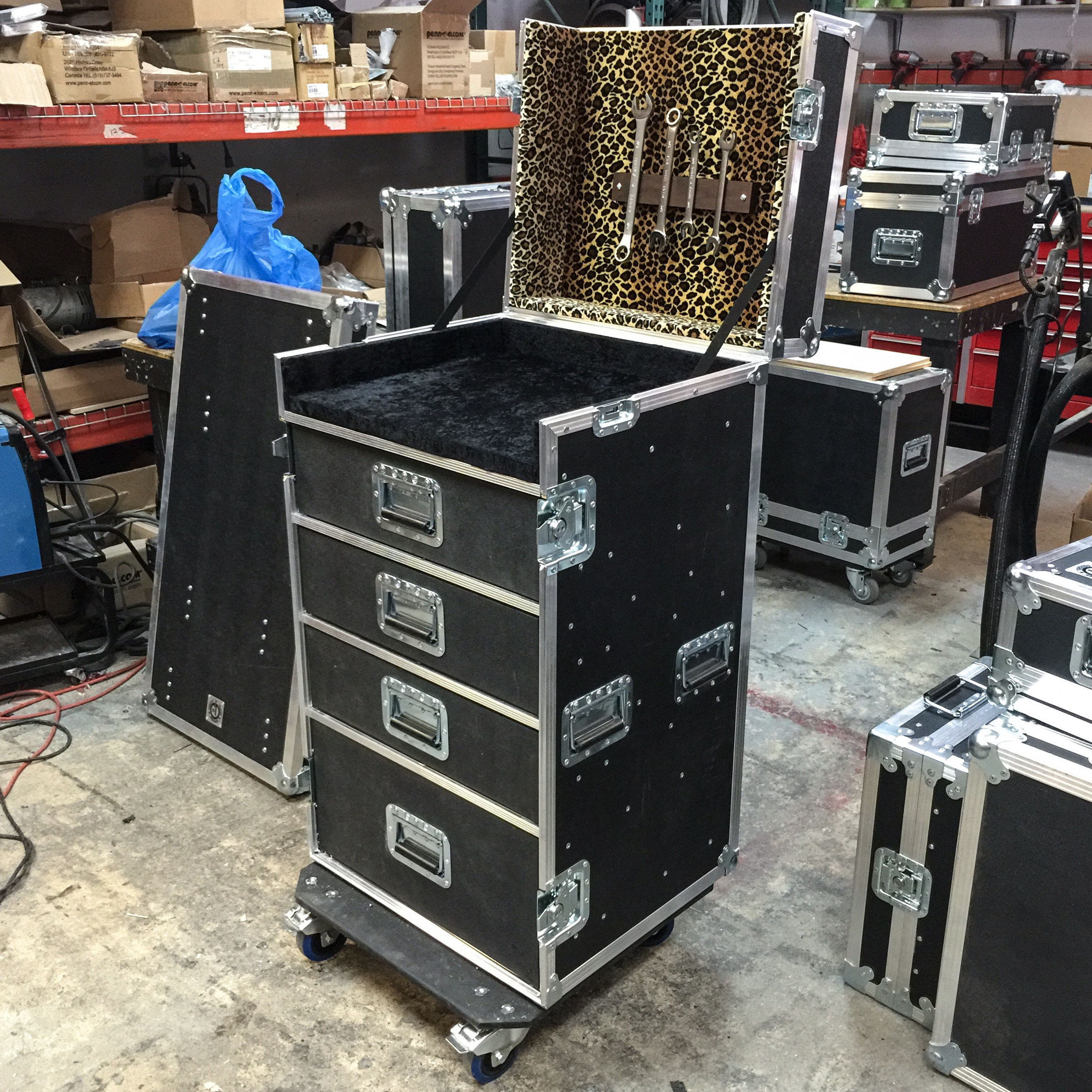 Cheetah-Guitar-Tech-Road-Case.jpg