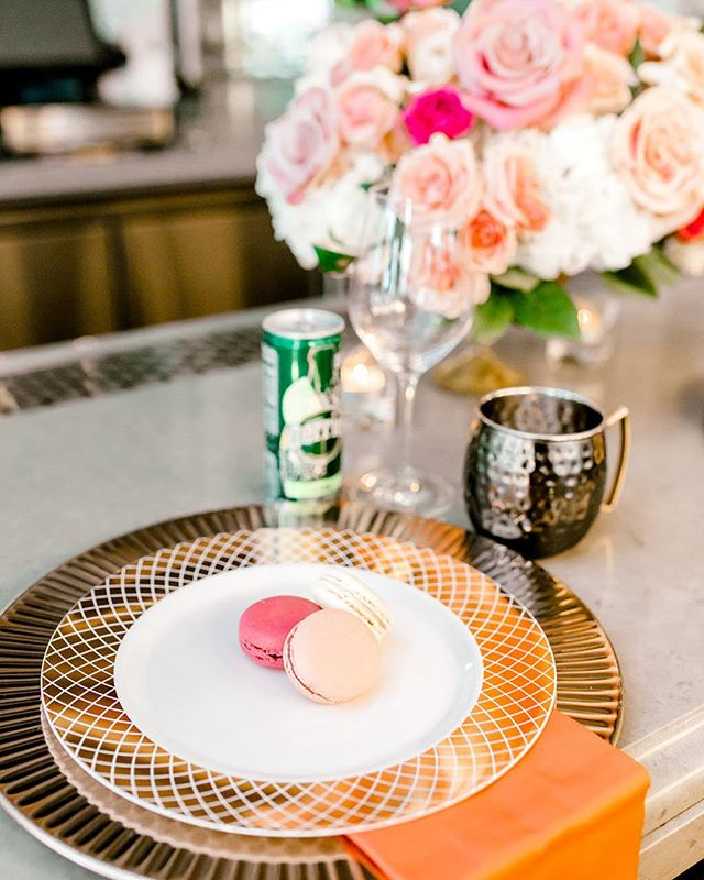 Cherry Blossoms are in full bloom in D. C.!!🌸🌸 So I made time to visit the Tidal Basin on Saturday and the flowers were just so gorgeous!  Check out how we incorporated @oliviamacaron cherry blossom macarons in our bar top table setting. 😍  Who said you can't start your meal with a dessert? We sure didn't! 😉 📷 @jontellvanessa l 💐 @embellished_details  #raisdesigneventplanning #cherryblossom #cherryblossomfestival #macarons #desserts #redvelvet #vanilla #dc #frenchmacarons
