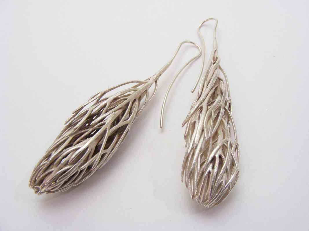 Daisy leaf cluster earrings (i) NBE017.jpg