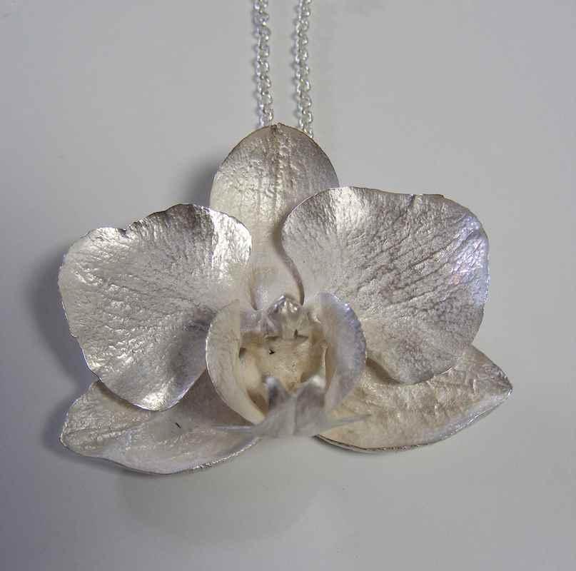 Phalaenopsis pendant (S) NBP021.jpg