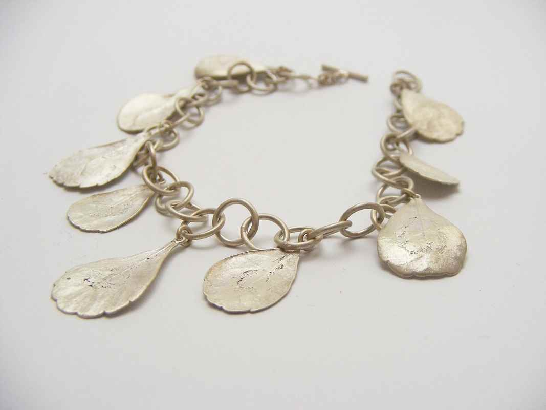 Rhus (Charm bracelet with Rhus leaves) NBW008.jpg