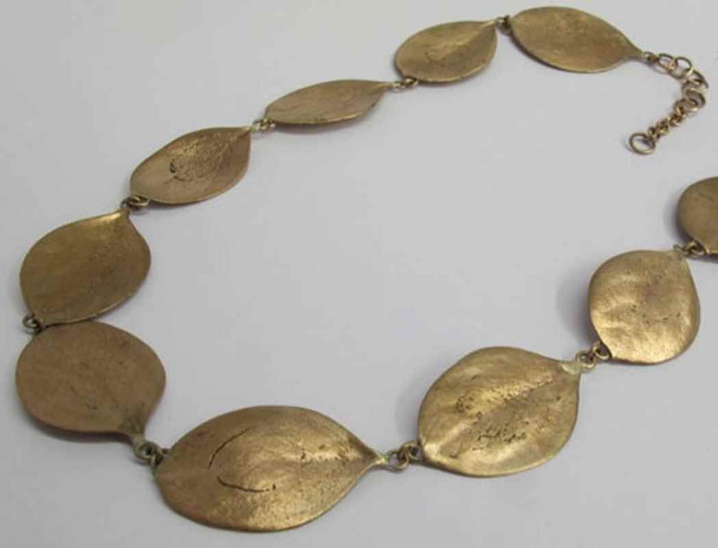Rooibessie necklace, 12 leaves, bronze NBN003.jpg