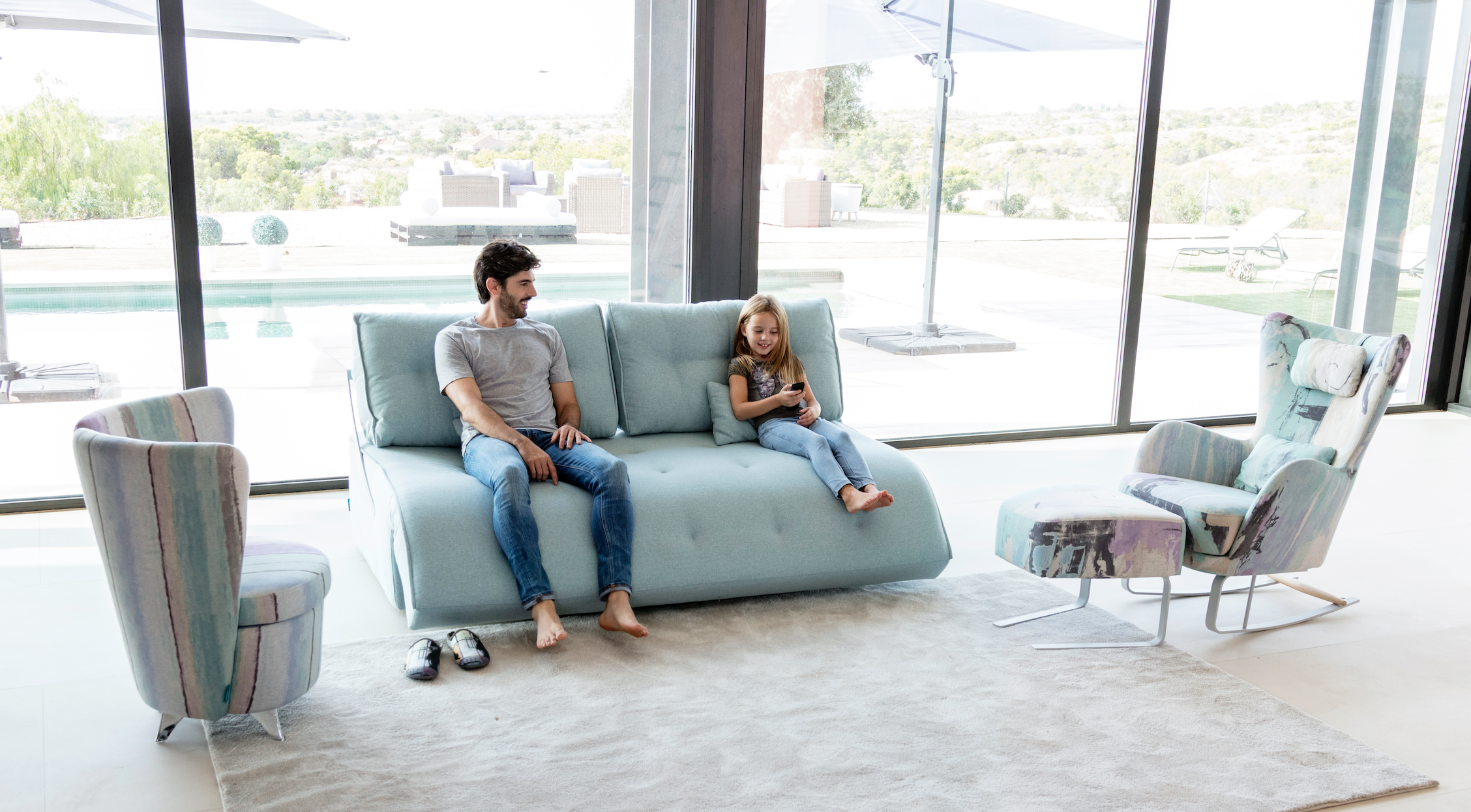 Indy, es un sofá, gadget, cine en casa, cama, es el mueble que te hará disfrutar de tu hogar.